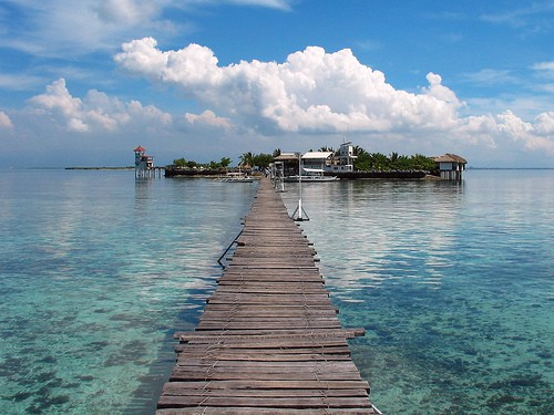 island-hopping-in-the-philippines_mactanisland