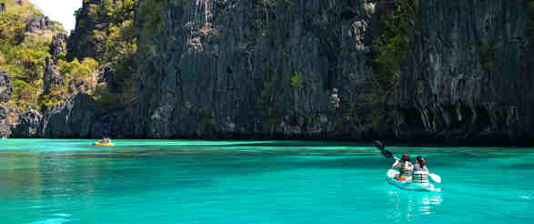 island-hopping-in-the-philippines_philippines_cruises_landing