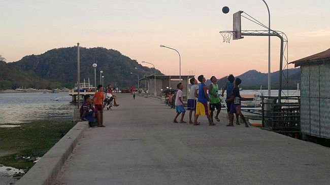 team-building-asia-island-hopping-philippines-basket-050420152715