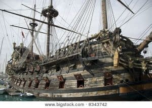 big-wood-ship-with-cannon