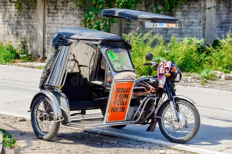 island-hopping-philippines-on-tricycle