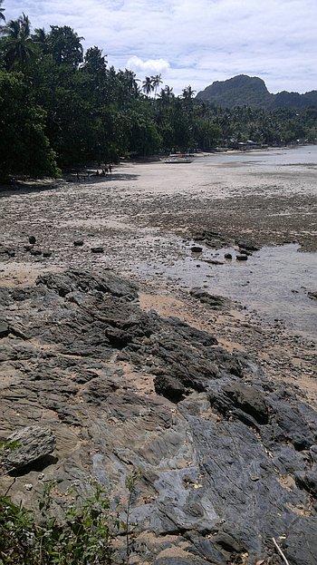 El-nido-island-hopping-philippines-180120152222