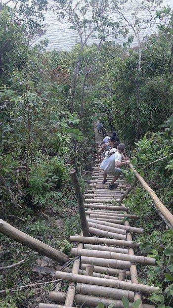 El-nido-island-hopping-philippines-310120152244