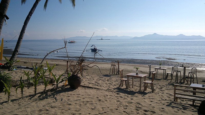 island-hopping-in-the-philippines-boat-launch-140220152361