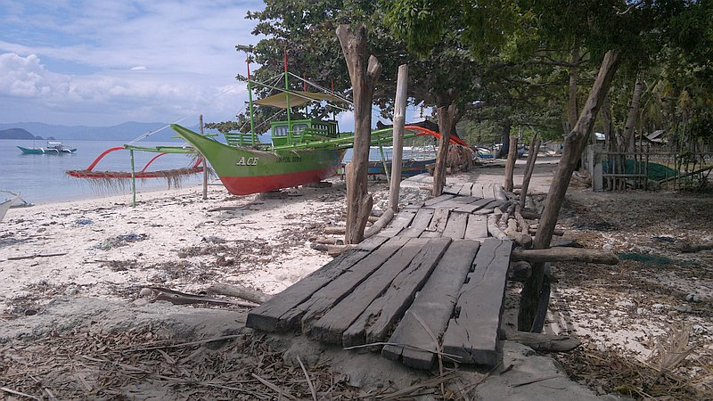 island-hopping-in-the-philippines-island-1-140220152391