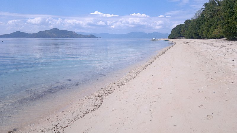island-hopping-in-the-philippines-island-1-140220152393