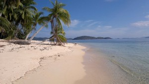 island-hopping-in-the-philippines-island-1-140220152395