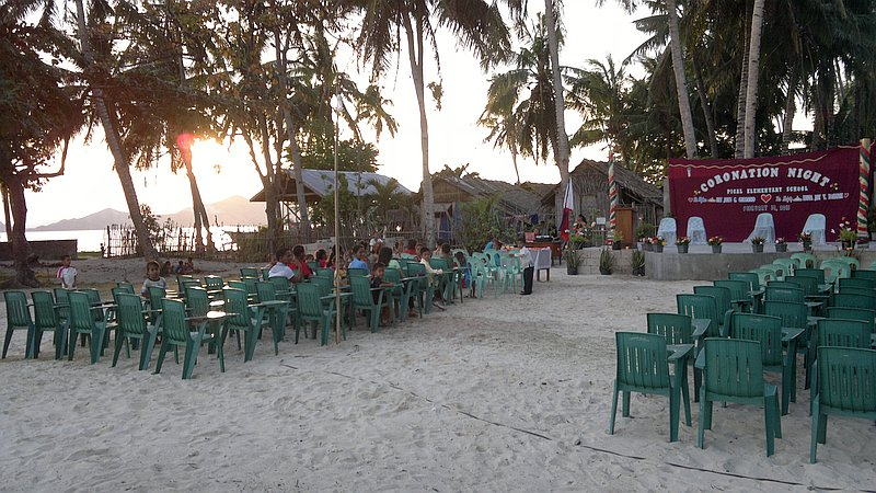 island-hopping-in-the-philippines-island-1-140220152399