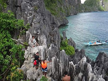 cliff-climbing-in-the-philippines