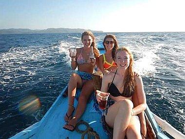 explore-philippines-boat-tour