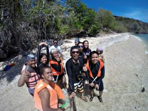 island-hopping-boat-tours-sitio-eli_2015-04-01-08.55.09