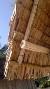 island-hopping-philippines-jungle-huts-281020142031