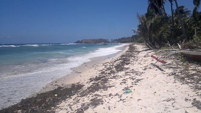 island-hopping-philippines-kitesurfing-beach-090420152720