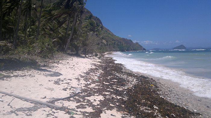 island-hopping-philippines-kitesurfing-beach-090420152721