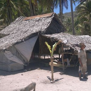 island-hopping-philippines-kitesurfing-beach-090420152722