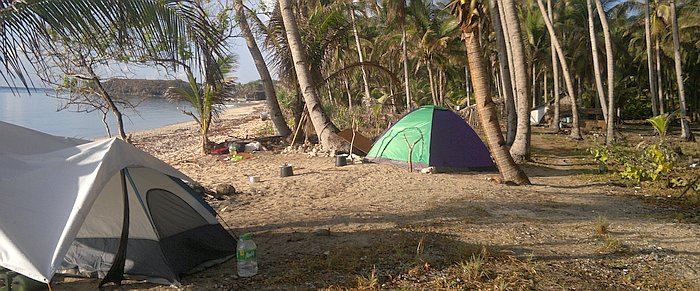 kitesurfing-with-tents-200520152807