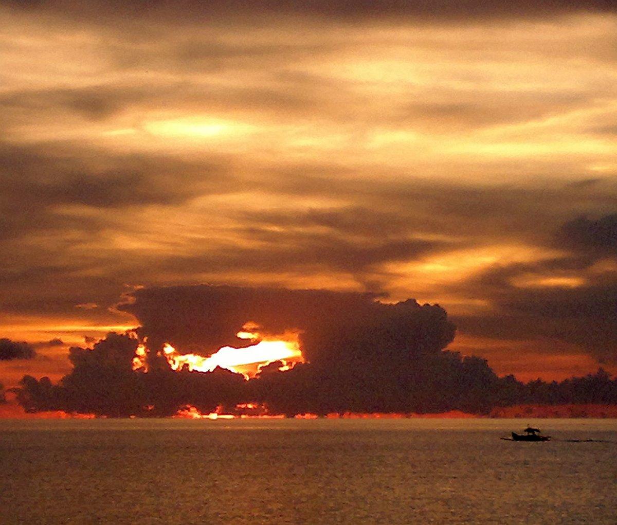 patoyo-linapacan-philippines-sunrises-and-sunsets-300720152981