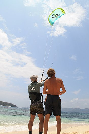 learning-how-to-kitesurf