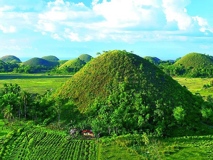 nature-natural-beauty-philippines-Chocolate-Hills-Bohol