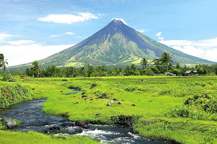 nature-natural-beauty-philippines-Mayon-Volcano-Natural-Park