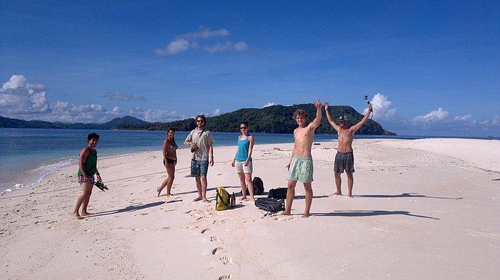 boat-tours-philippines-el-nido-coron-3_251120153494