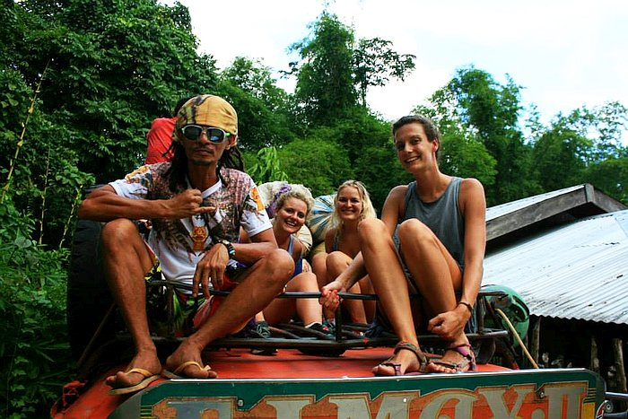 private-underground-river-tour-in-sabang-puerto-princesa-11393221_10153362410147500_5769530022582770593_n