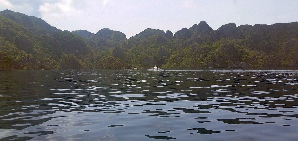Kayangan-Lake-and-Twin-Lagoons-Coron-20170209_111335b