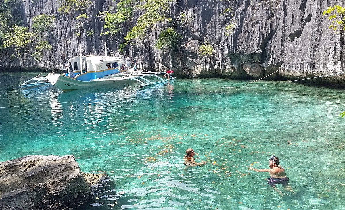 Kayangan-Lake-and-Twin-Lagoons-Coron-20170209_114451_crop