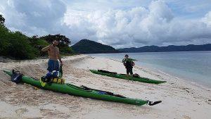 two-italians-kayak-canoe-around-palawan