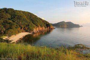 09.-malcapuya-island-sunrise-beach-landscape