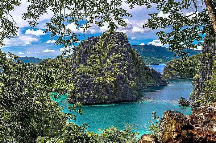 Coron Multi-day Island Hopping Boat Tour Expedition