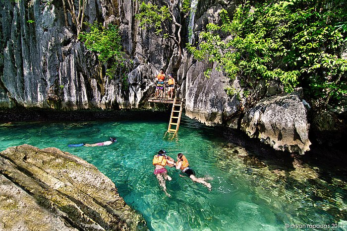 Coron Boat Tours Island Hopping In The Philippines Palawan