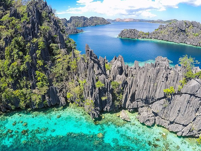 Twin Lagoons Coron Island Hopping In The Philippines
