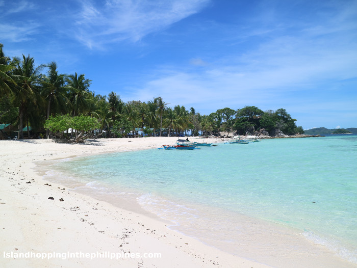 Secluded beaches on Malcapuya Coron Islands tour.