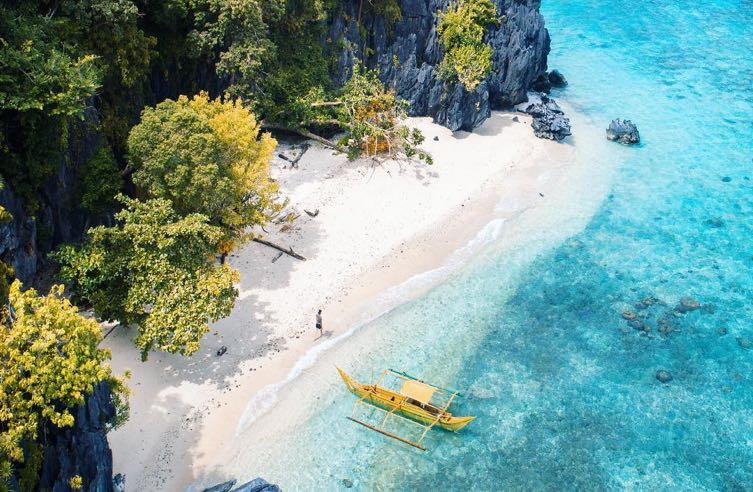 Private boat tour when Best Spots and Tips Before You Go to El Nido.