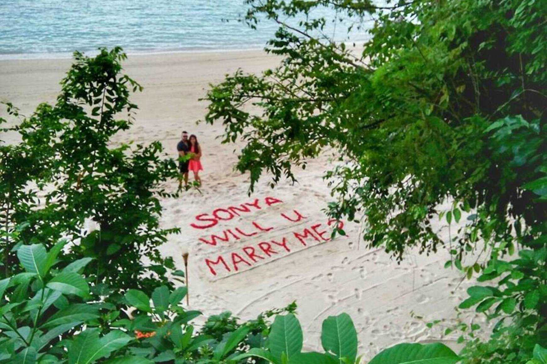 Tie the know in Marriage Proposal Package in Palawan while Island Hopping.