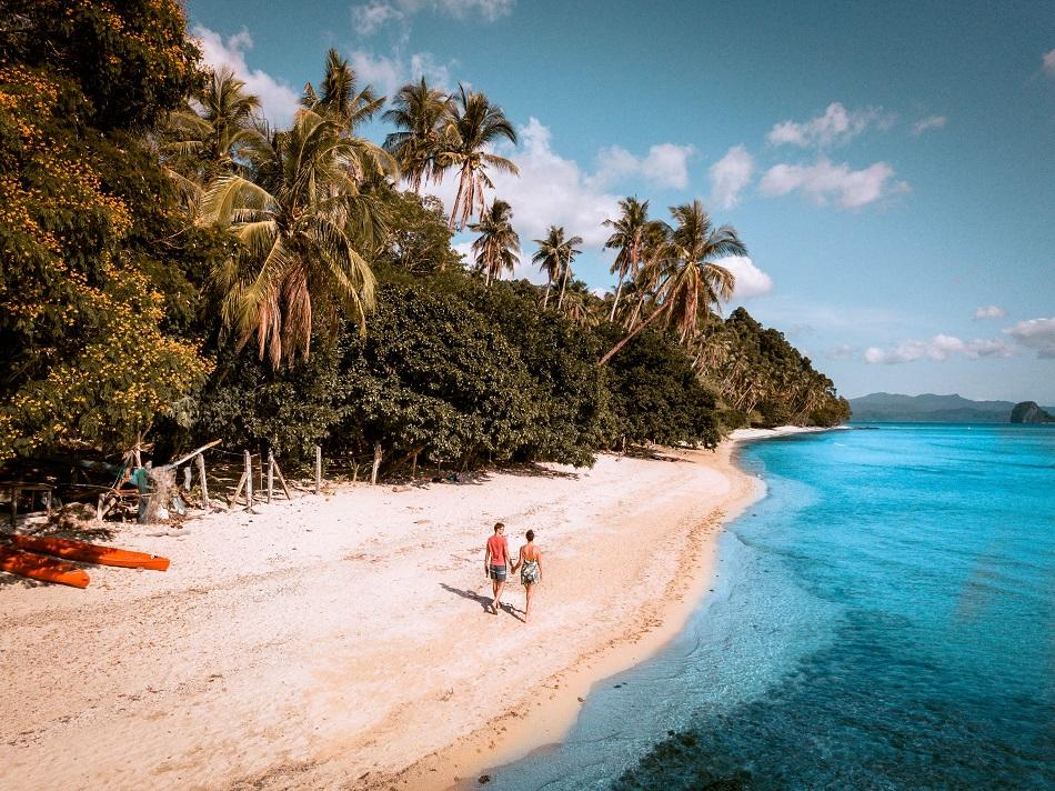 Coron Multi-day Island Hopping Boat Tour Expedition, relaxing walks