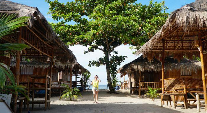 Iloilo-City-Bacolod-Lakawon-Island-Resort-SpaLakawon_island-day-huts