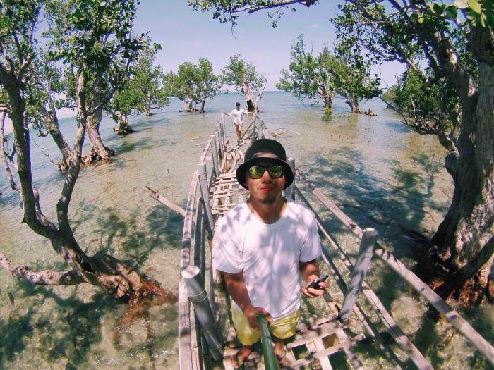 Iloilo-City-Bacolod--Mangrove-Eco-park-Suyac Island-7