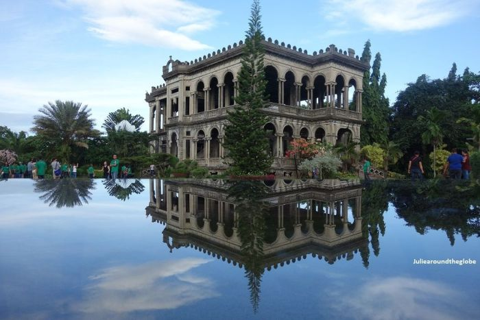 Iloilo-City-Bacolod-Taj-Mahal-Negros-tour-package-The_Ruins-5