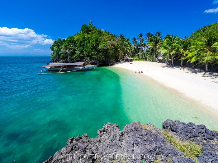guimaras-Tatlong-Pulo-Beach