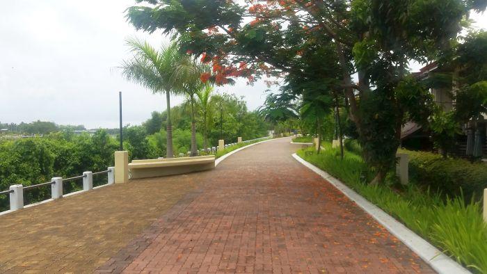 iloilo-city-river-promenade-1