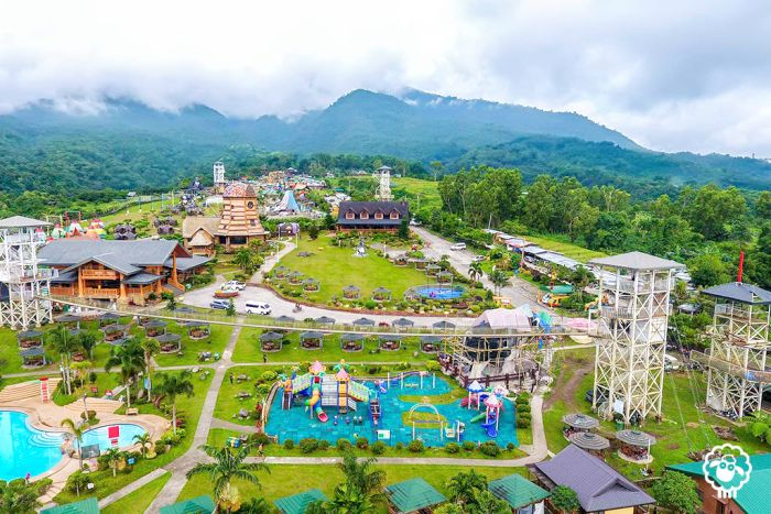 package-tour-Campuestohan-Highland-Resort-grounds-2