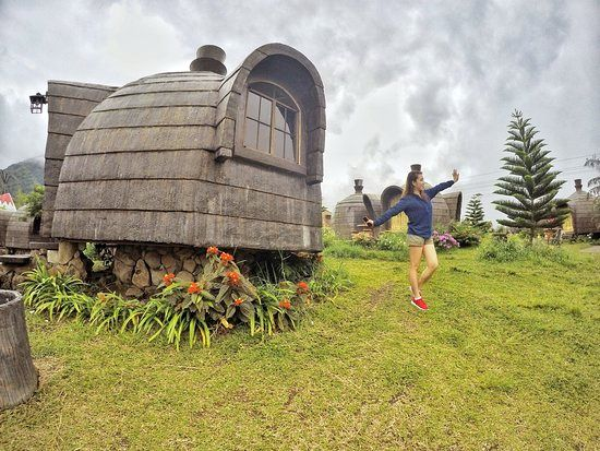 package-tour-Campuestohan-Highland-Resort-mushroom-hut