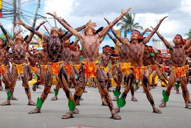pintados-c-tattoed-tribal-men-philippines