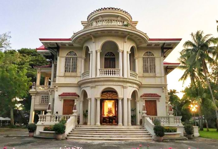 spanish-mansions-in-iloilo-city