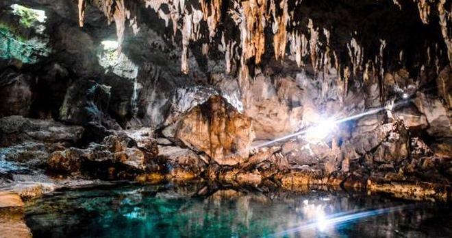 Hinagdanan Cave - Bohol Travel Guide